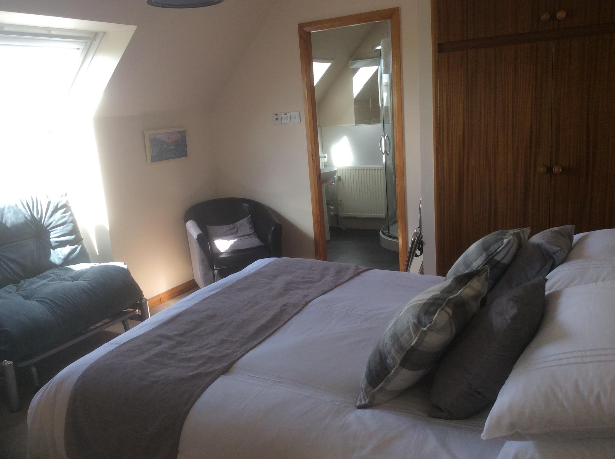 Bedroom06